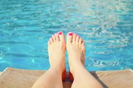 swimming-pool-1211573_1280